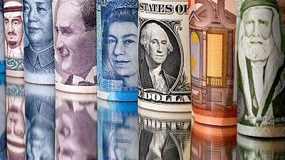 Dólar sube por toma de ganancias de final de mes
