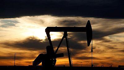 استطلاع-أسعار النفط بصدد الارتفاع رغم تعطل الطلب من الهند