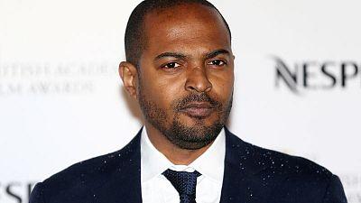 BAFTA suspende a actor británico Clarke tras acusaciones de acoso y hostigamiento