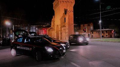 A Bologna, due ventenni sanzionati e denunciati