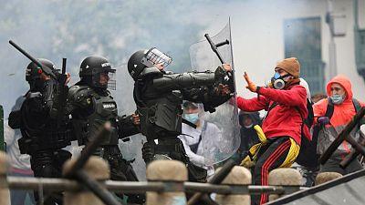 Gobierno de Colombia envía más efectivos de policía y ejército a Cali para controlar disturbios
