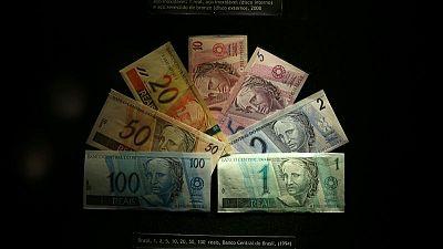 MERCADOS A.LATINA-Monedas ceden frente a fortaleza global del dólar tras sólidos datos en EEUU