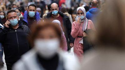 Superati 30.000 contagi, 21,2% tamponi positivo, 14 decessi