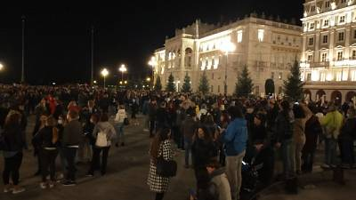 Fedriga condanna i gesti di violenza