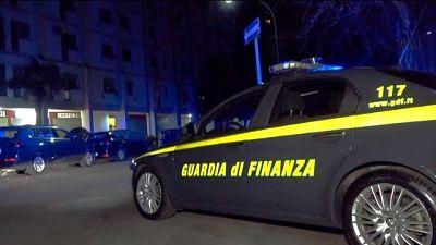 Individuati da Gdf, percepiti 21 mila euro, sanzioni per 64 mila