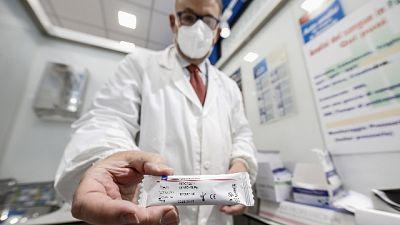 Stabile incidenza postivi-tamponi, è al 14,6%