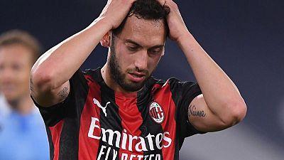 ميلان يقفز للمركز الثاني في الدوري الإيطالي بفوزه على بنيفنتو
