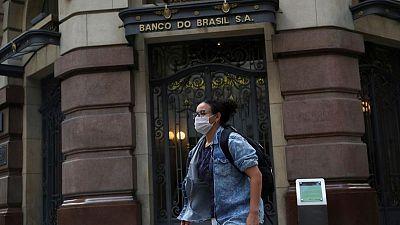 البرازيل تسجل 2656 وفاة جديدة بكوفيد-19