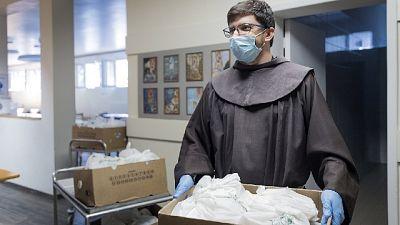 'Operazione pane', 15 realtà distribuiscono 36mila pasti al mese