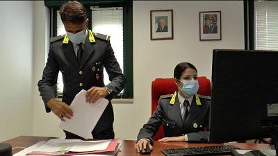 Guardia finanza Perugia le sequestra beni per 170 mila euro
