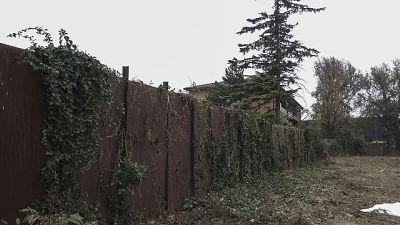 Barriera pannelli anti-pusher era stata eretta nel 2006