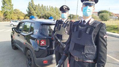 A Trieste, Carabinieri hanno anche sanzionato clienti e titolare