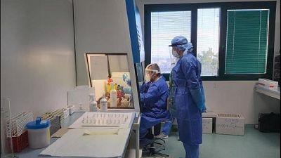 Curva contagi in rialzo, 551 nuovi casi in 24 ore