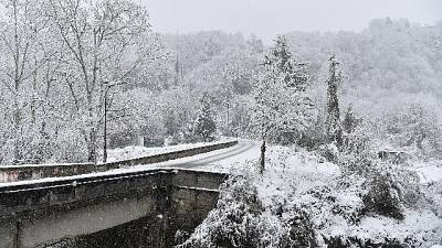 Piogge, neve e venti da forti a burrasca forte da Nord a Sud
