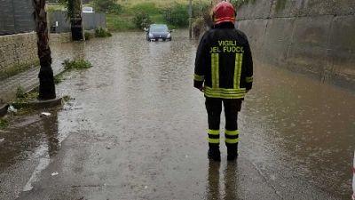 Situazione più critica a Reggio, decine interventi vigili fuoco