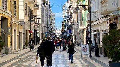 Tanta gente in giro a Pescara, come un normale sabato
