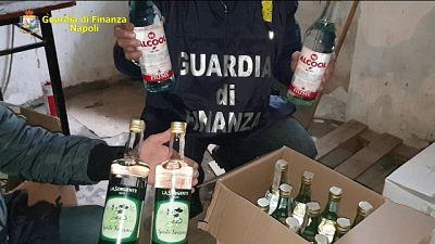 Blitz Gdf nel Napoletano, falso marchio 'Moet'