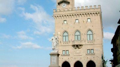 Locali aperti fino all'una. 'In Italia solo polemiche politiche'