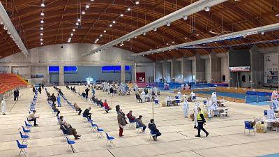 Ad Ancona file veloci, alle 11 già fatti 500 test