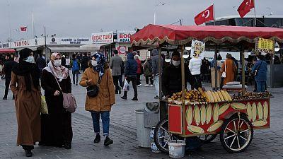 340 وفاة جديدة بكورونا في تركيا مع استمرار الإغلاق