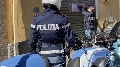 Polizia interrompe anche assembramento con sette minorenni