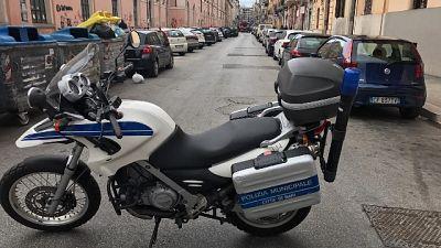 Verifiche Polizia locale a 288 persone e 26 attività commerciali