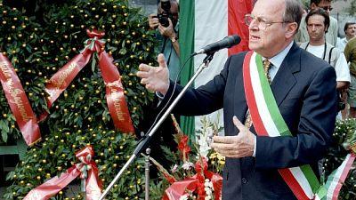 A 90 anni, in carica dal 1993 al 1997, deputato ed eurodeputato