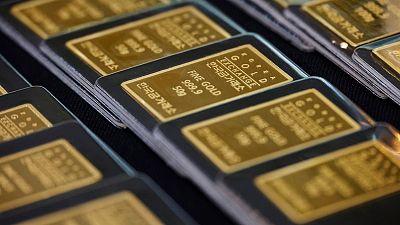 الذهب يصعد مع ارتفاع الطلب بفعل زيادة إصابات الفيروس وتراجع السندات الأمريكية