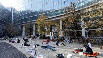 Manifestazione in piazza Affari di Priorità alla scuola
