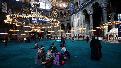 Analysis: Prospects fading, Turkey hopes lockdown rescues tourism season