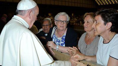 'Ma la Chiesa non può conferire loro l'ordinazione sacerdotale'