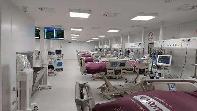 Governatore Puglia inaugura ospedale Covid a Fiera del Levante