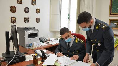 Scoperta dalla Gdf a Ferrara, tre denunce per truffa