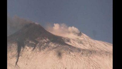 Diradata nube vulcanica, i due flussi lavici in raffreddamento