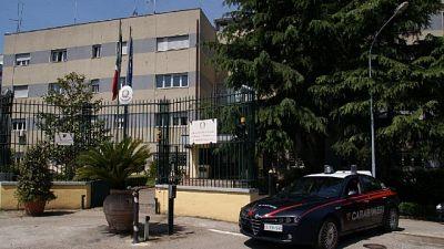 Madre 3 figli a Benevento. Sfiorata rissa con 30 parenti defunta