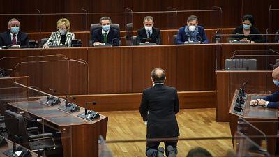 Seduta sospesa; Usuelli (+Europa) prega per dati, censurato