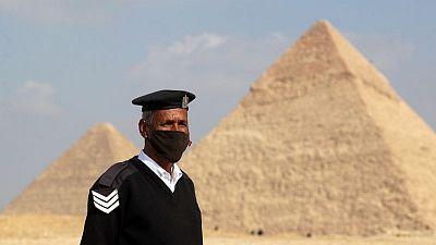 مصر تسجل 1078 إصابة جديدة بفيروس كورونا و62 وفاة