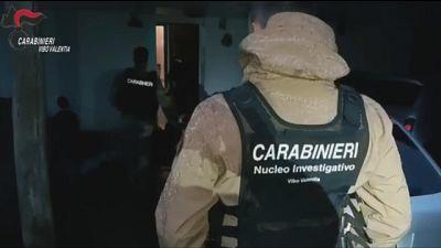 Bloccato dai Cc, il suo nome in elenco ricercati più pericolosi