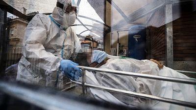 Continua calo pressione sugli ospedali