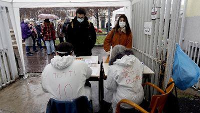 Oggi registrati 557 nuovi contagi su 9.433 test e 18 decessi