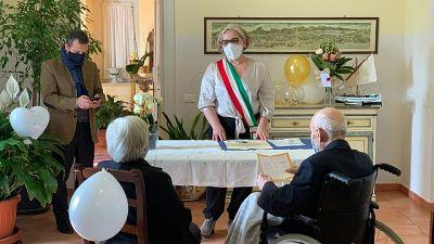 A Spoleto per loro rito civile dopo quello in chiesa