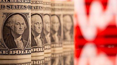 El dólar se estabiliza a la espera del impacto de los datos previstos en los bancos centrales