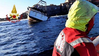 Quattro marinai soccorsi dalla Guardia costiera, nessun ferito