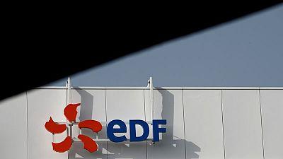 Sindicatos franceses siguen contra reforma de EDF tras conversaciones con el Gobierno