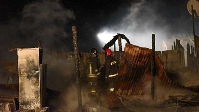 In fiamme campo a Parete, potrebbero esserci altri coinvolti