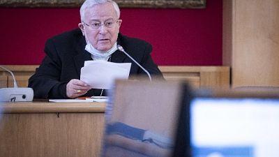 'Chiesa pronta a collaborare, famiglie precarie siano priorità'