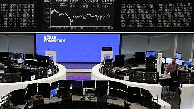 خسائر مفاجئة لسوق الأسهم تهبط بعوائد سندات منطقة اليورو