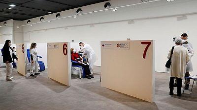 Italia podría estar vacunando a 1 millón de personas por día a finales de mayo