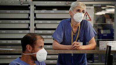 فرنسا تسجل 243 وفاة جديدة بكورونا في المستشفيات