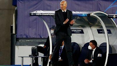 زيدان يشيد بلاعبيه مع سعي ريال مدريد لبلوغ نهائي دوري الأبطال مجددا